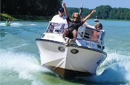 Sportbootfahren für 4 Personen