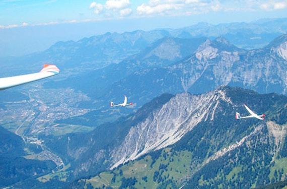 Motor-Segelfliegen mit Alpenpanorama in Schänis
