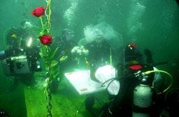 Hochzeit unter Wasser am Weißensee