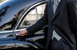 Bentley-Fahrt mit Chauffeur & Candle Light Dinner Hannover für 2