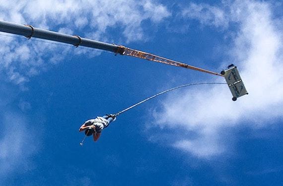 70 Meter Bungee-Sprung über Wasser in Recklinghausen