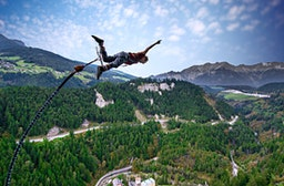 165 Meter Bungy-Sprung am Staudamm Kölnbreinsperre
