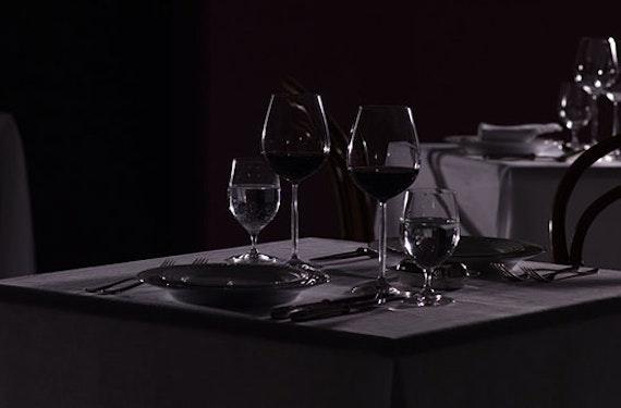 Dinner in the Dark & Magie Show bei Stuttgart für 2