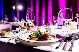 Jochen's Dinner & Varieté-Show in München mit Übernachtung für 2