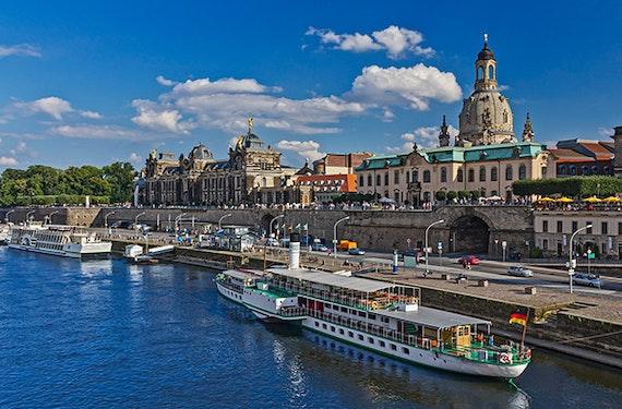 Frühstück & Schiffsrundfahrt Dresden für 2
