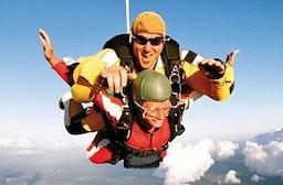Fallschirm-Tandemsprung für 5 Freunde