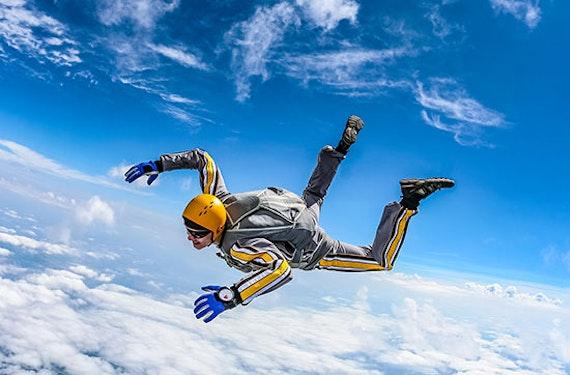 Fallschirmsprung solo