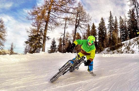 Fatbike-Downhill auf Schnee am Hochwurzen