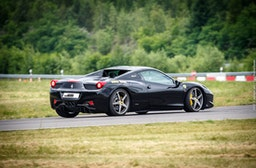 Ferrari 458 selber fahren (10 Runden)
