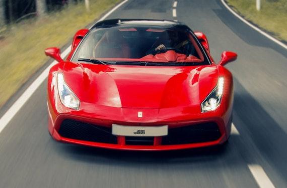 Ferrari mieten Frankfurt am Main (1 Tag)