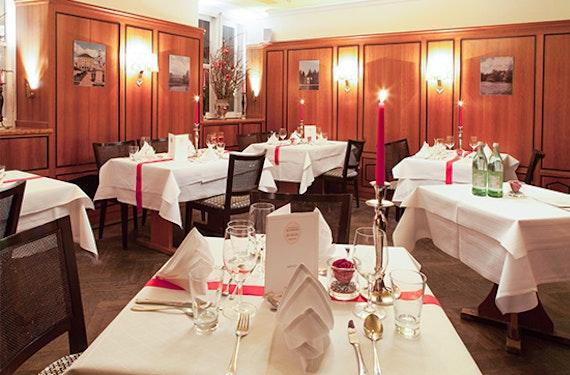Floating & Candle Light Dinner München für 2