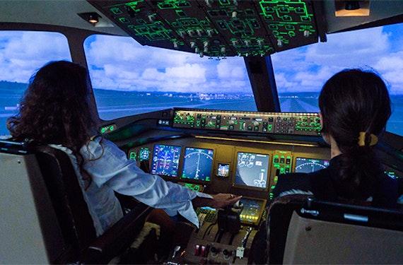 Flugsimulator Boeing 777 in Zürich (30 Min)