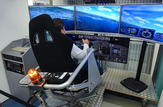 Flugsimulator VR in Frankfurt am Main (60 Min.)