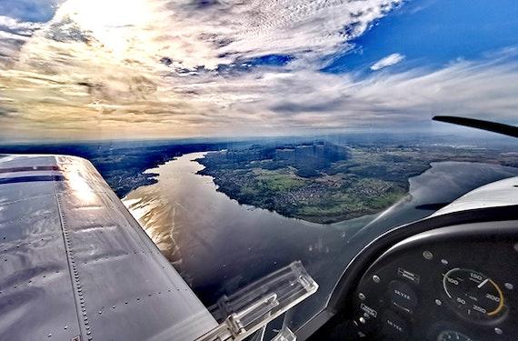 Rundflug mit Selbstfliegen (3 Std.)