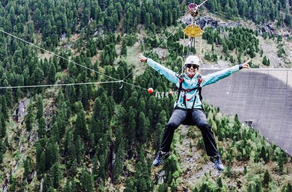 Flying Fox und Abseilstation im Zillertal