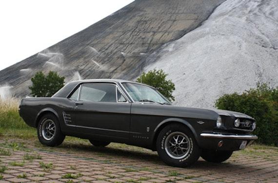 Ford Mustang Oldtimer fahren