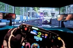 Formel 1 Rennsimulator in Berlin für 2 (30 Min.)