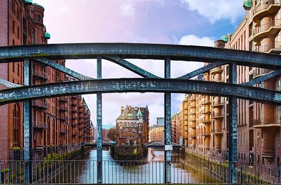 Frühstück & Speicherstadt und HafenCity Tour Hamburg für 2