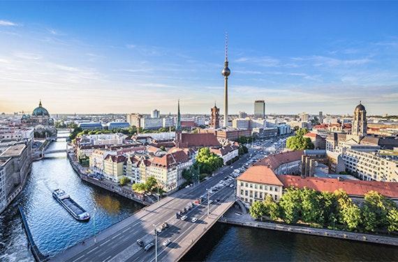 Frühstück & Hubschrauberflug Berlin für 2