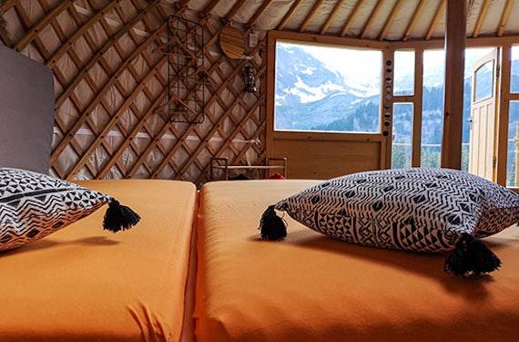 Jurten-Übernachtung in den Glarner Alpen für 2