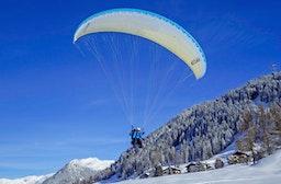 Gleitschirm-Tandemflug mit Ski-Start Raum Davos