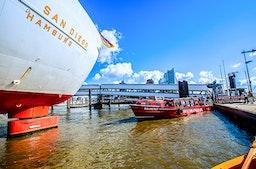 Hamburg Hafenrundfahrt mit Cap San Diego