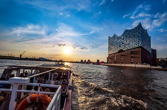 Hamburg Hafenrundfahrt (1,5 Stunden)