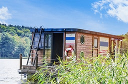 Hausboot Floß-Urlaub für 6 (5 Tage)
