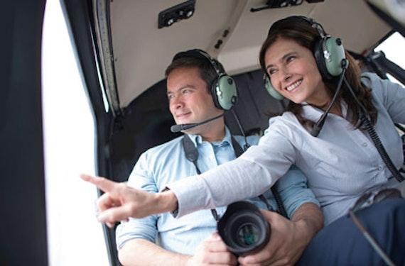 Romantischer Pärchenrundflug im Helikopter (30 Min.)