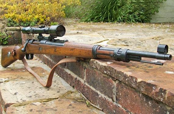 Schießtraining mit historischen Waffen