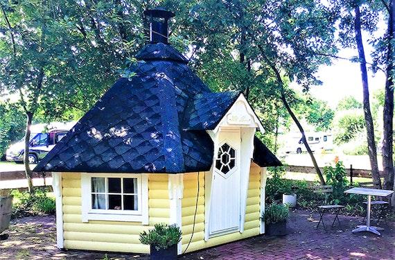 2 Übernachtungen im Hobbit Haus Saterland für 2