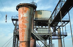 Hochseilgarten im Stahlwerk in Duisburg
