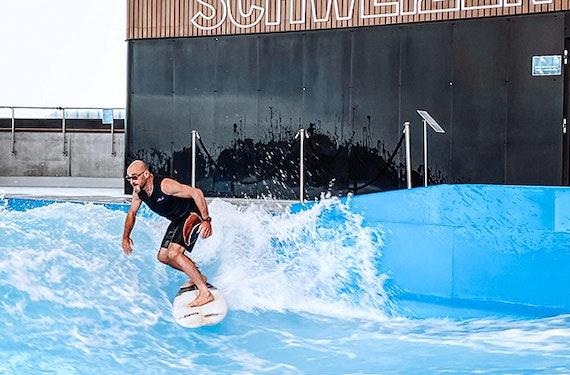 Surf & Breakfast mit Jochen Schweizer