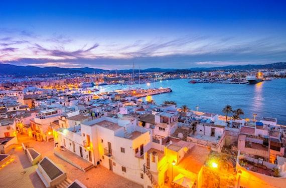 Insel-Hopping auf den Balearen für 6 (7 Tage)