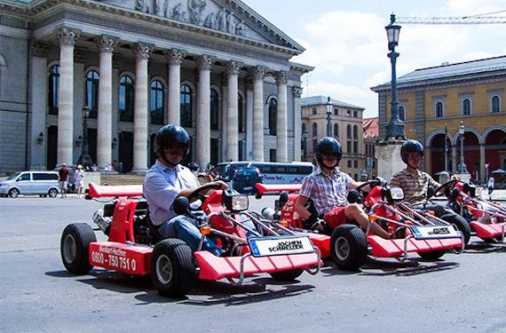 Kartfahren auf der Straße für 2