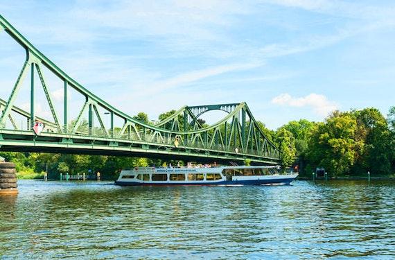 Flusskreuzfahrt von Hamburg nach Berlin für 2