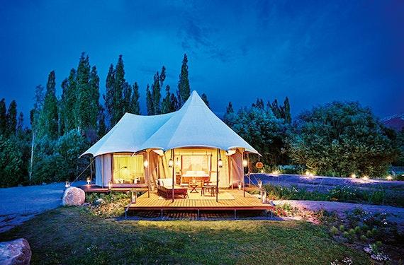 Luxus Glamping im Himalaya für 2 (6 Tage)