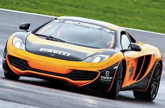 McLaren MP4 12C Rennstreckentraining