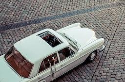 Mercedes Oldtimer mieten in Marburg für bis zu 4 Personen (2 Std.)