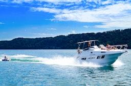 Motorboot fahren am Bodensee mit Wassersport