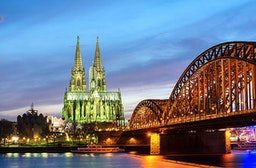 Candle Light Dinner & Fackel-Stadtführung in Köln für 2
