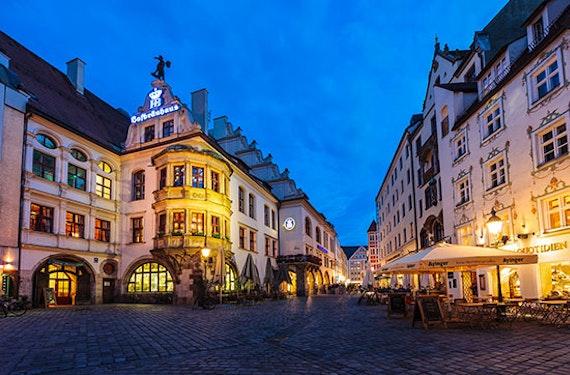 Candle Light Dinner & Fackel-Stadtführung München für 2
