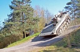 Schützenpanzer selber fahren bei Osnabrück (60 Min.)
