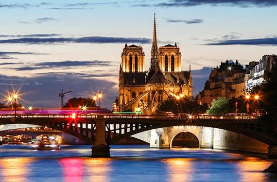 Städtetrip Paris mit nächtlicher Bootsfahrt für 2 (2 Tage)