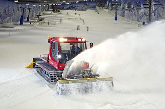 Pistenbully fahren in der Skihalle Neuss