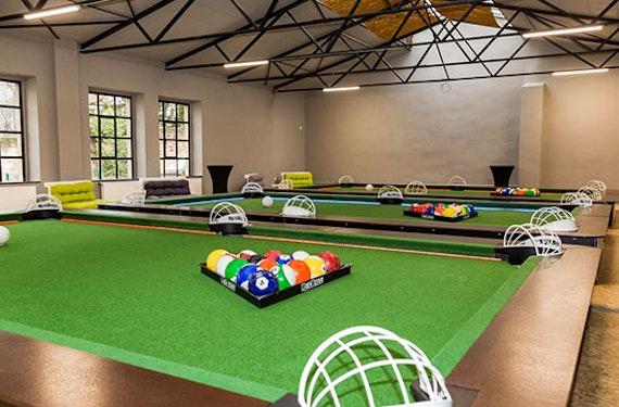 Poolball für bis zu 6 Personen