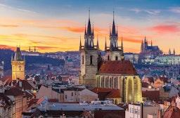 Städtetrip Prag mit Mittelalterdinner für 2 (3 Tage)