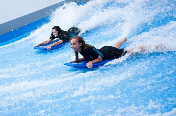 Indoor-Surfen in Prag für 2