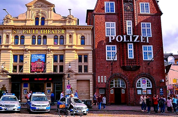 Comedy Reeperbahn Tour in Hamburg (2 Stunden)