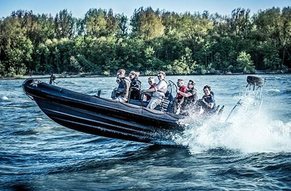 RIB Speedboat fahren in Hamburg (75 Min.)